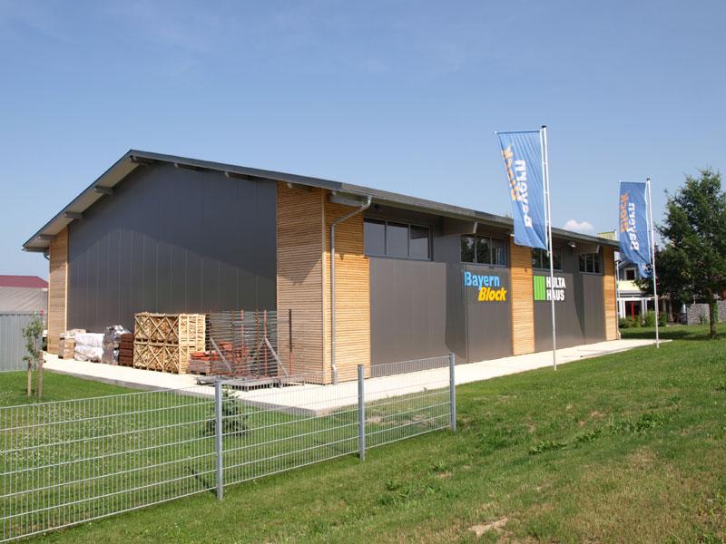 Halle1 holzhaus hultahaus bauen in bayern baden for Modern massiv bauen halle