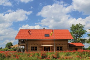 "Holzhaus aus massiven Rundbalken ""Eggler"""