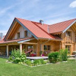 "Holzhaus aus massiven Rundbalken ""Lingenauber"""