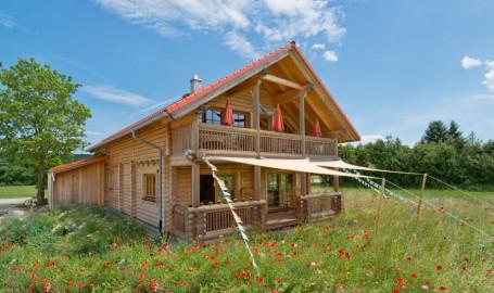 "Holzhaus aus massiven Rundbalken ""Eggerl"""