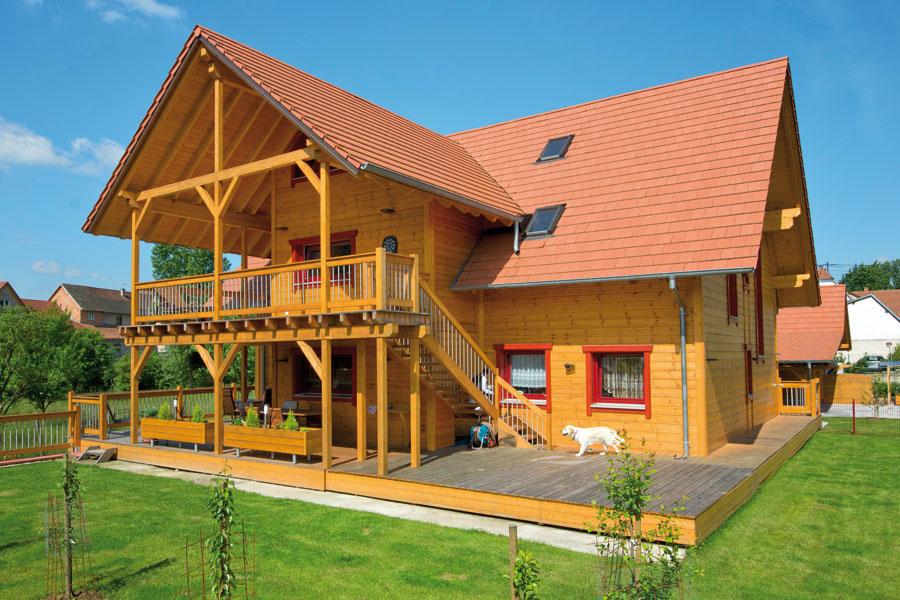 """Holzhaus in Hulta-Bauweise """"Ball"""" (Frankreich)"""
