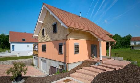 """Holzhaus in Hulta-Bauweise """"Martzolff"""" (Frankreich)"""