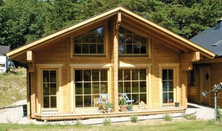 "Holzhaus aus massiven Kantholzbalken ""Levie"" (Irland)"