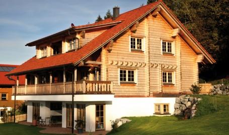 """Holzhaus aus massiven Kantholzbalken """"Mehl"""""""