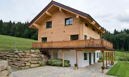 blockhaus archive holzhaus hultahaus bauen in bayern baden w rttemberg. Black Bedroom Furniture Sets. Home Design Ideas