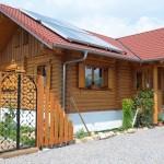 """Holzhaus aus Rundholzbalken """"Bechtold"""""""