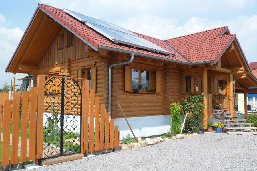 holzhaus aktuell holzhaus hultahaus bauen in bayern baden w rttemberg. Black Bedroom Furniture Sets. Home Design Ideas