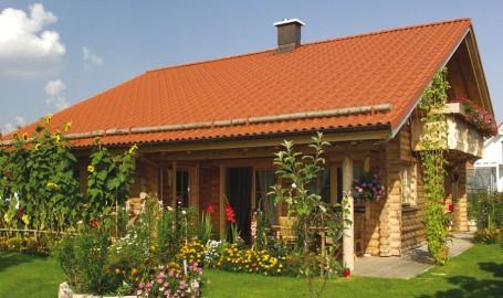 """Holzhaus aus Rundbalken """"Brückner"""""""