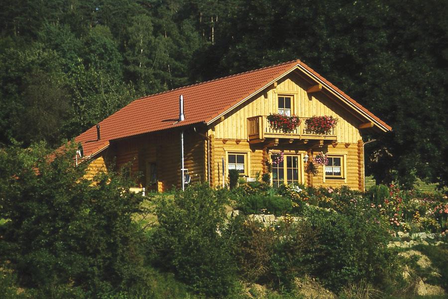 """Holzhaus aus Rundbalken """"Himmelstoss"""""""