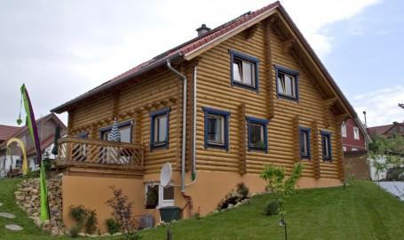 """Holzhaus aus Rundbalken """"McMannus"""""""