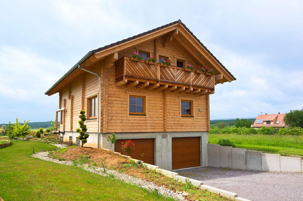 blockhaus kantholzbalken harter holzhaus hultahaus bauen in bayern baden w rttemberg. Black Bedroom Furniture Sets. Home Design Ideas