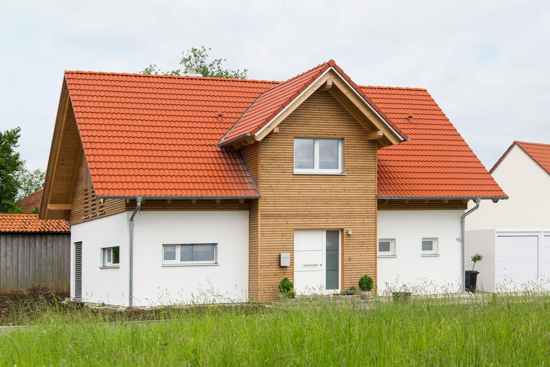 Hultahaus freudenmacher holzhaus hultahaus bauen in for Holzhaus modern bauen